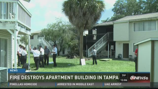 Fire destroys apartment building in Tampa