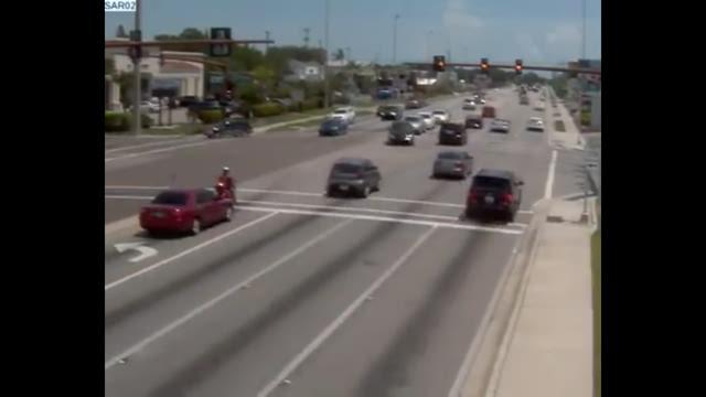 Dump truck runs red light in Sarasota