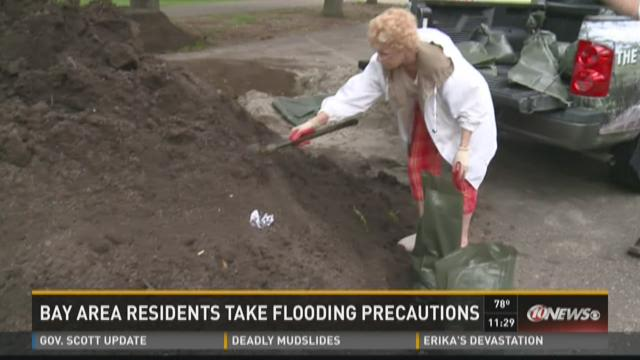 Bay area residents take flood precautions